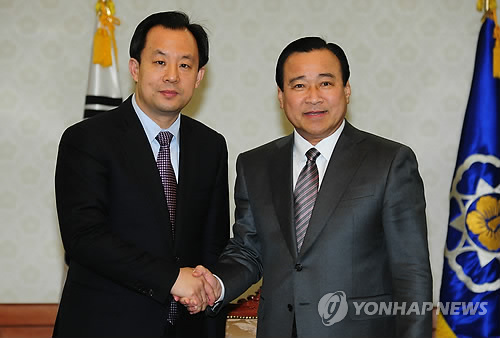 韩总理李完九会见中国黑龙江省省...